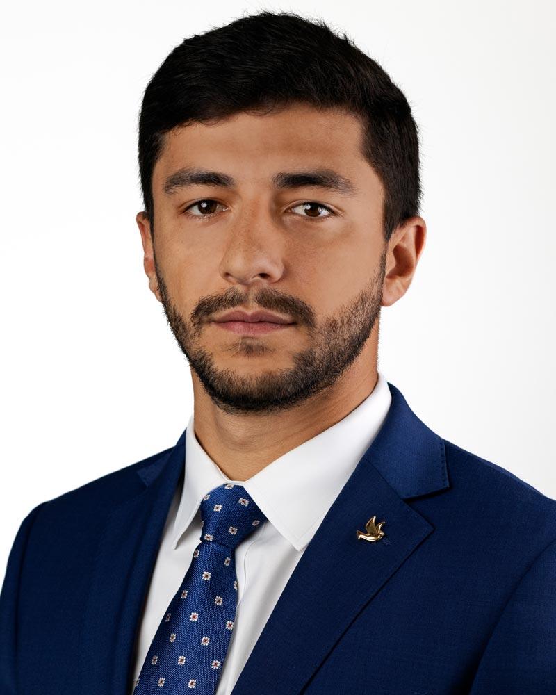 Nicolas Roque headshot